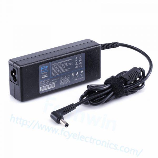 TO409-75W-19V-3.95A-5.5-2.5mm-For-TOSHIBA-fcy02.jpg