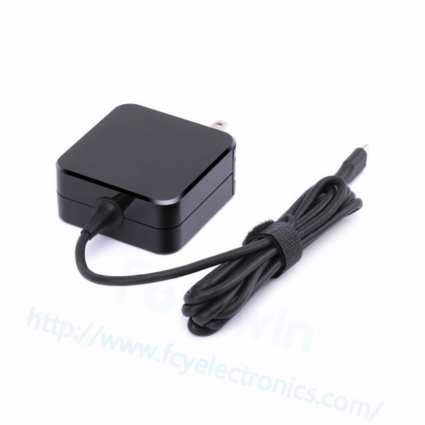 TP005-45W-15V-3A-adapter-Type-C-us-fcy03.jpg